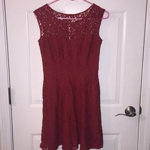 Red sleeveless dress. Lace with pretty back